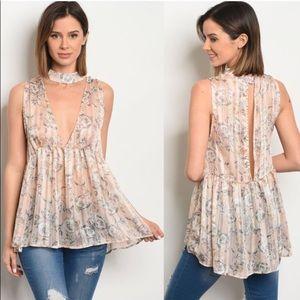 Lovely choker Flowy blouse 🌸🌸